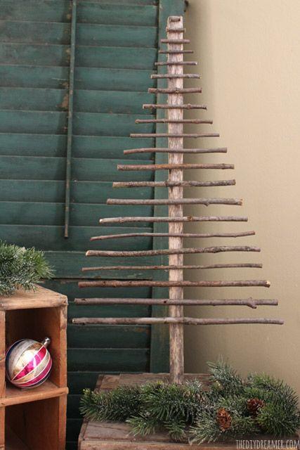 Decorative Twig Christmas Tree - EASY and FREE to make!! #christmas #rusticchris...