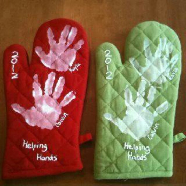 Diy Gifts Oven Mitts With The Kids Painted Hand Prints On