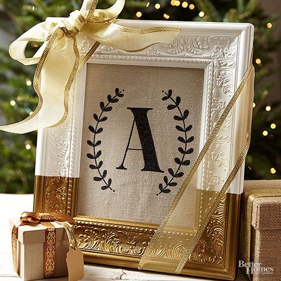 Framed Monogram is an easy to make personalized Christmas Gift. Plus 17 more per...