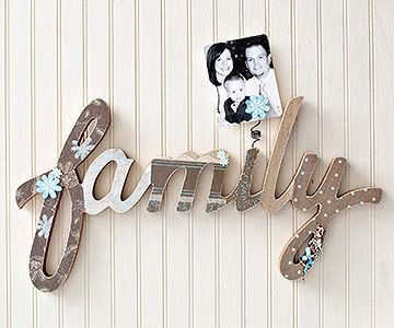 Show your family you love them with this Wooden Word Wall Hanging.