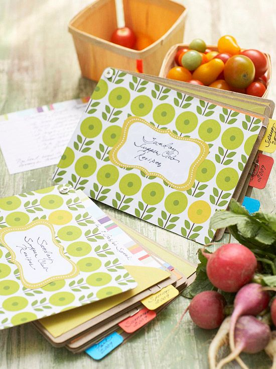 Wouldn't you love a handmade recipe book? All you need to make this thoughtful g...